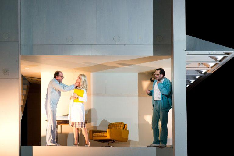 Großes Schauspiel: Theater in S-Bahn-Nähe