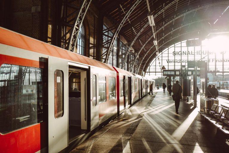 Die S-Bahn Hamburg führt neuen hanseatischen Signalton ein