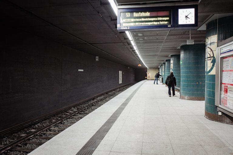 Modernisierung der Tunnelstationen – Start am Hauptbahnhof