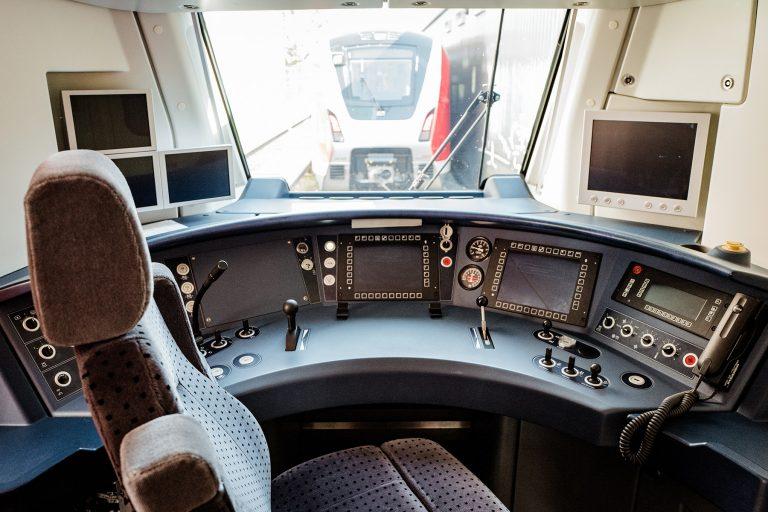 Der Lokführerstand des ET 490