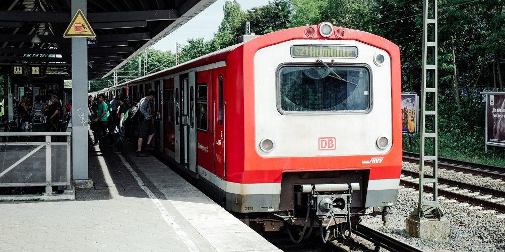 Gleisbauarbeiten auf der Strecke der Linien S21 und S2