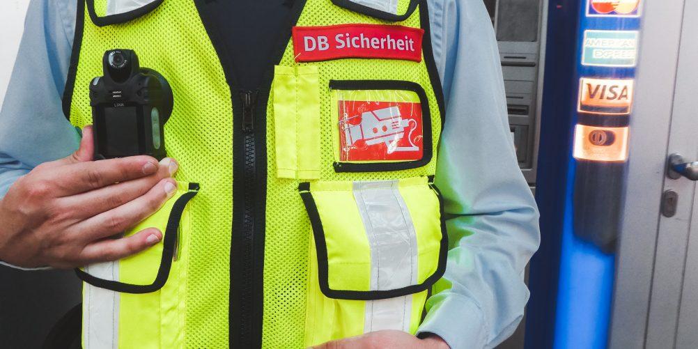 Mehr Sicherheit für Mitarbeiter und Fahrgäste – Hamburg setzt Bodycams ein